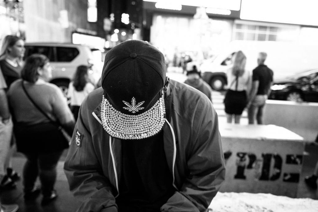Black and white photo of Nicola Tanzini, Street Diaries in New York.